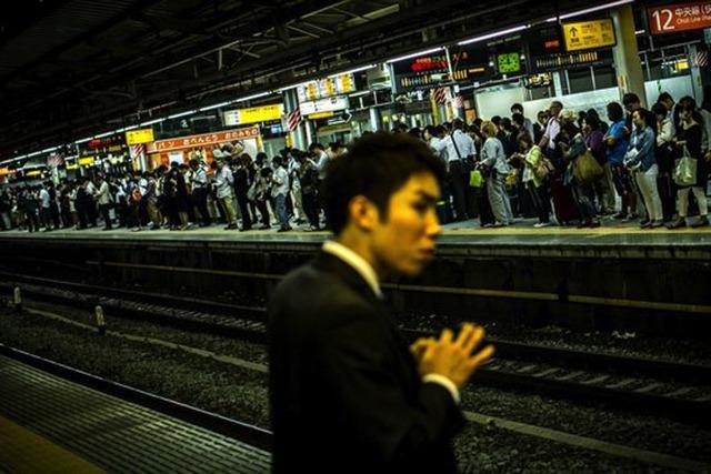 Dùng camera tự động phát hiện người say để hạn chế tai nạn đường sắt