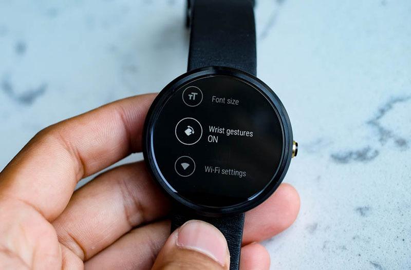 Lắc cổ tay để xem và tắt thông báo trên Android Wear