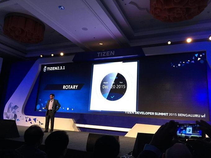 Samsung xác nhận smartwatch Gear mới sẽ dùng viền xoay được