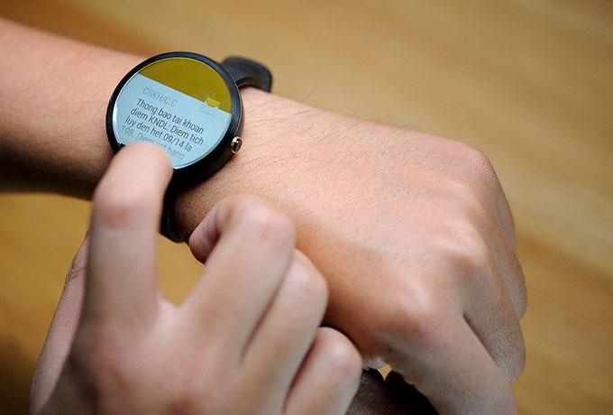 Smartwatch Moto 360 thế hệ mới sẽ có hai kích thước nhỏ và lớn?
