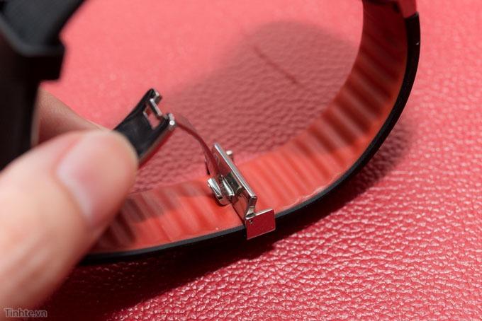tren tay smartwatch alcatel onetouch watch 04