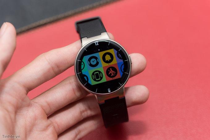 Trên tay smartwatch Alcatel OneTouch Watch