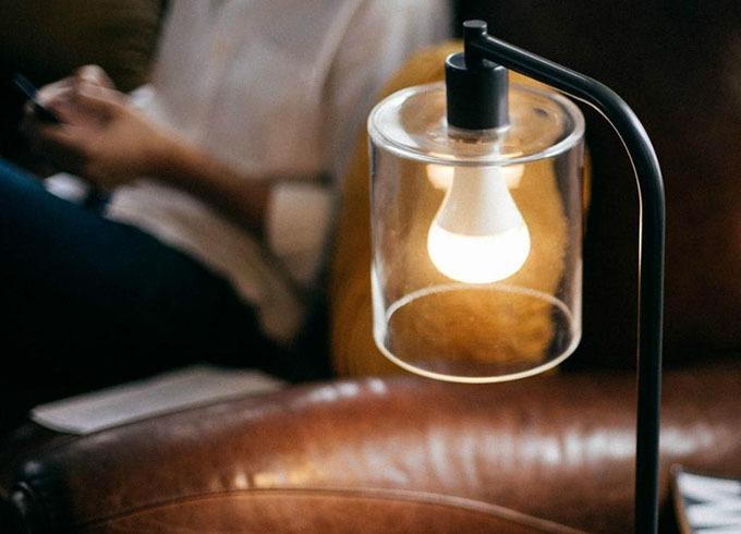 Astro Twist: bóng đèn thông minh tích hợp loa