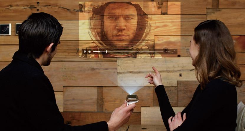 ASU Cast One: chiếc máy chiếu đeo tay đầu tiên trên thế giới