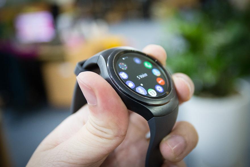 mo hop dong ho thong minh smartwatch mat tron samsung gear s2 08