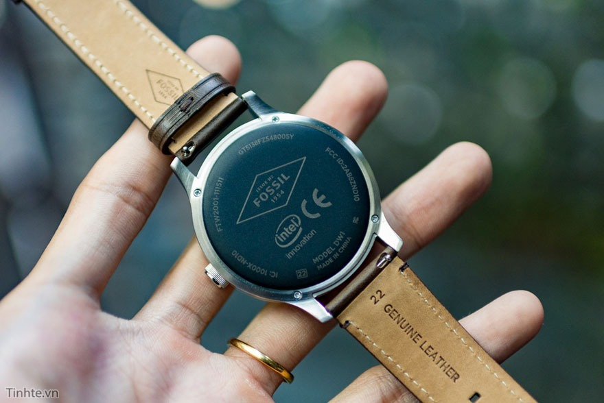 mo hop fossil q founder: dong ho thong minh chay android wear 13