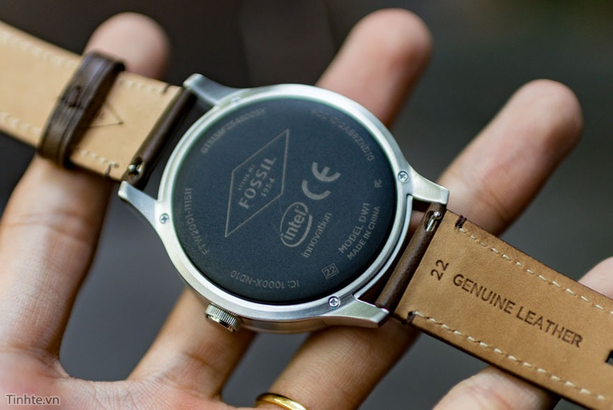 mo hop fossil q founder: dong ho thong minh chay android wear 16