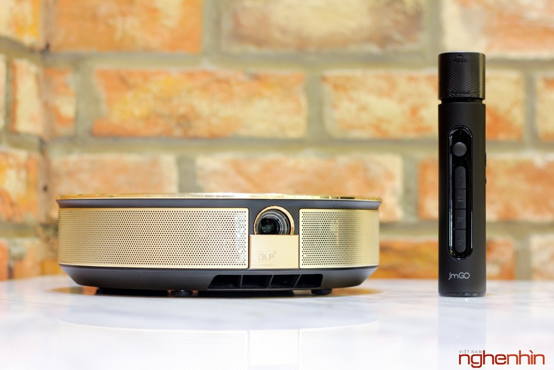 Mở hộp máy chiếu kiêm Android TV Box JmGO G1S
