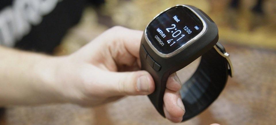 Omron Project Zero: thiết bị đeo theo dõi sức khỏe, đo huyết áp