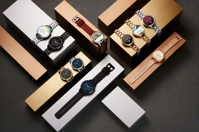 top 5 smartwatch dang mua nhat hien nay: smartwatch moto 360