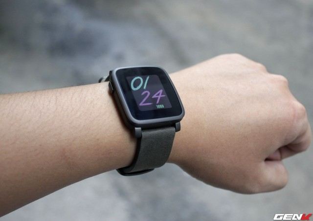 top 5 smartwatch dang mua nhat hien nay: smartwatch pebble time steel