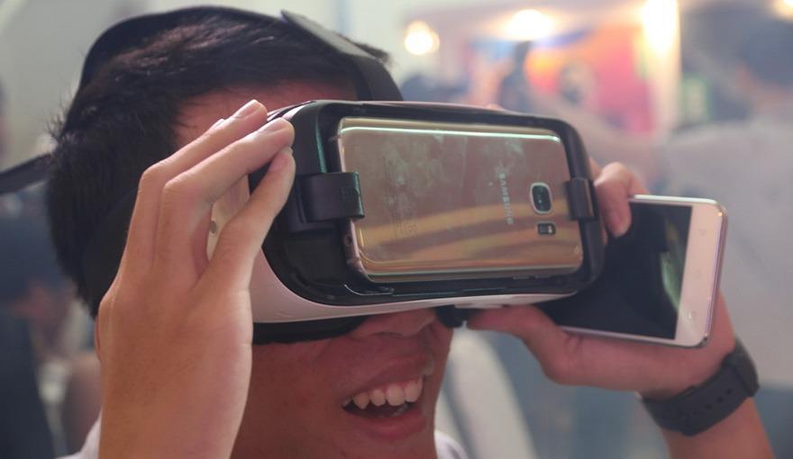 Trải nghiệm kính thực tế ảo Samsung Gear VR - Quá tuyệt vời