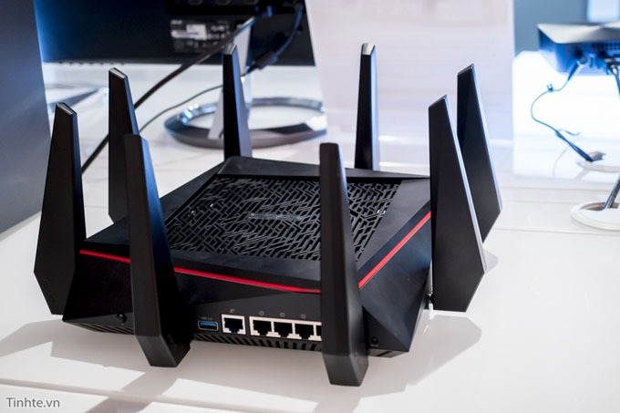 tren tay router wifi asus rt-ac5300 13