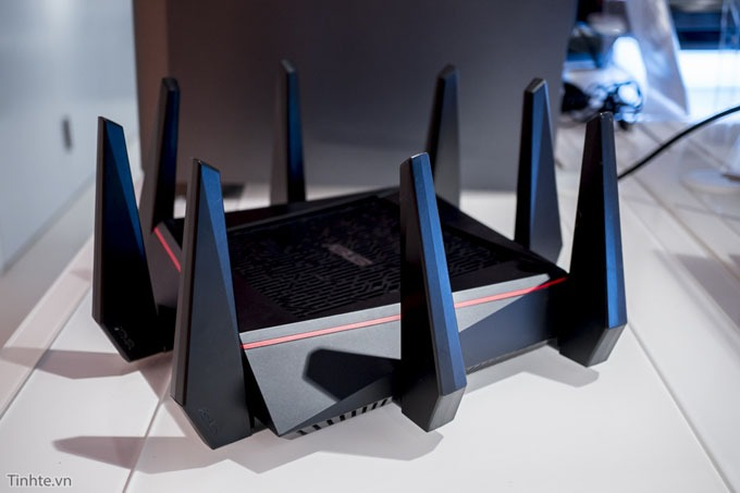 tren tay router wifi asus rt-ac5300 03