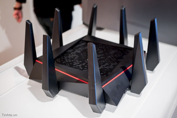 tren tay router wifi asus rt-ac5300 05