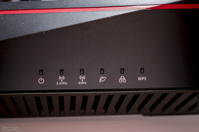 tren tay router wifi asus rt-ac5300 07