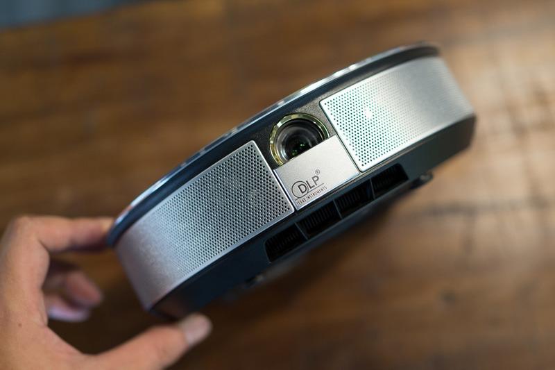 tren tay jmgo g1: may chieu 3d tich hop android tv box - 12
