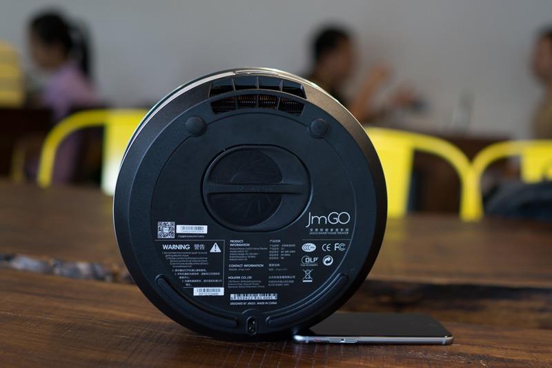tren tay jmgo g1: may chieu 3d tich hop android tv box - 03