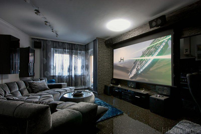 TV vs Máy chiếu: Lựa chọn nào phù hợp cho phòng giải trí gia đình