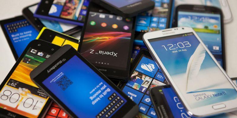 8 ý tưởng tuyệt vời để tận dụng những chiếc smartphone cũ
