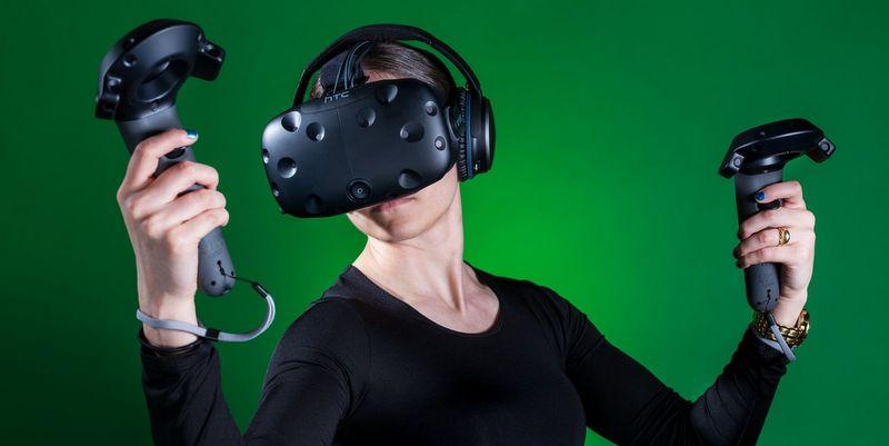 HTC xác nhận sẽ làm kính thực tế ảo VR cho di động
