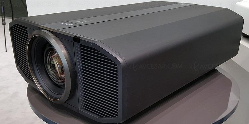 JVC giới thiệu máy chiếu laser DLA-Z1: 4K, HDR, độ sáng 3.000 lumen