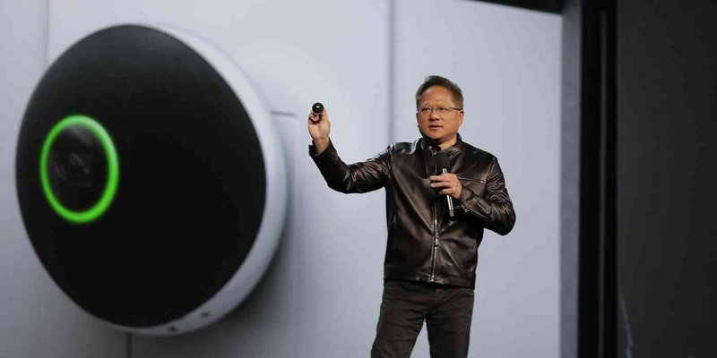 nvidia gioi thieu shield tv ho tro 4k hdr, google assistant va mic chuyen tiep spot 03