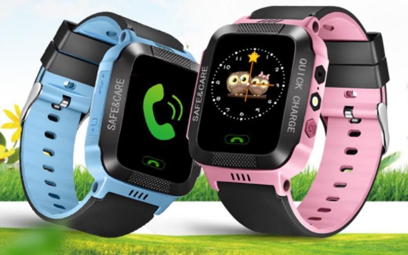 đồng hồ định vị trẻ em y21 với 2 màu xanh hồng