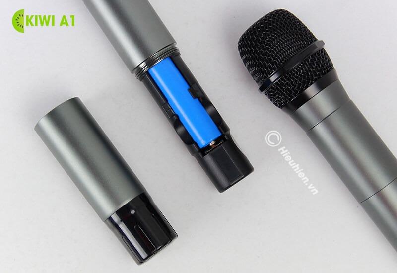 kiwi a1 micro karaoke không dây - khe đựng pin