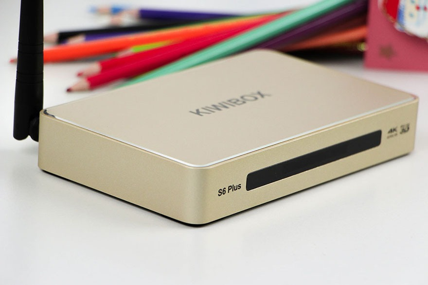 android tv box kiwibox s6 plus: mat truoc
