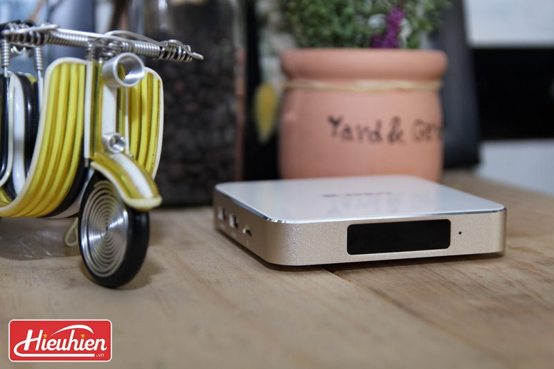 zidoo h6 pro android tv box chip lõi tứ allwinner h6, chạy android 7.0 - màn hình led