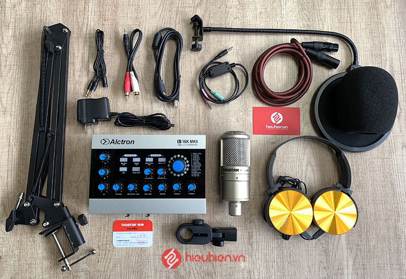 Trọn bộ Soundcard Alctron U16K MK2 kèm mic Takstar PC-K200 với đầy đủ phụ kiện sử dụng