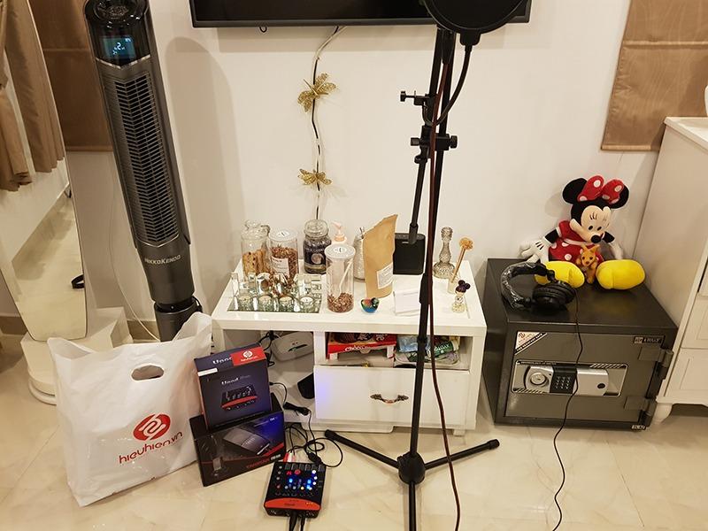 hình ảnh lắp đặt bộ thu âm icon upod pro + mic thu âm takstar k850