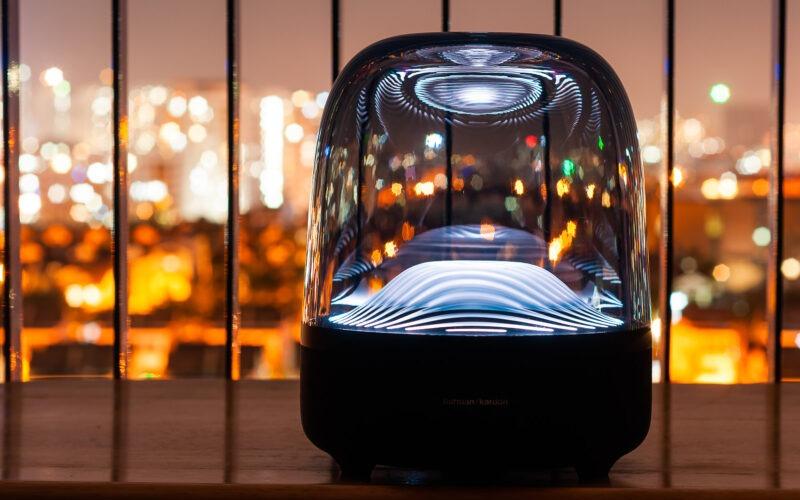 loa bluetooth harman kardom aura studio 3 thiết kế nhựa trong suốt