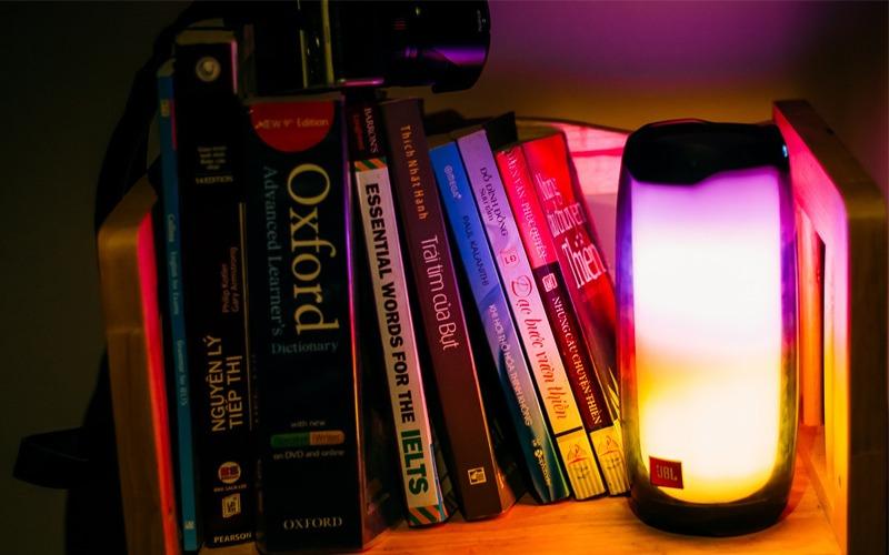 loa bluetooth jbl pulse 4 đèn led màu sắc đẹp